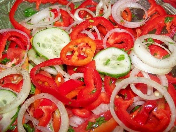 как сделать салат из огурцов рецепты
