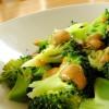 Брокколи в арахисовом соусе