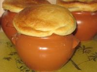 Грибной суп с крышкой из слоеного теста