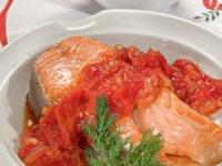 Лосось в томатном соусе