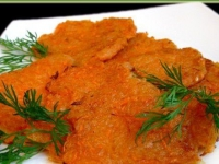 Морковные драники с горчичным соусом