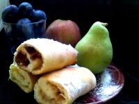 Нежные булочки на дрожжах с фруктовой начинкой