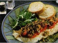 Рыбная запеканка с сухарями и томатами