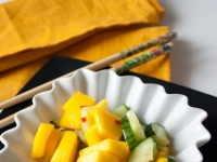 Салат из манго и огурца