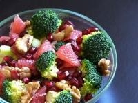 Салат с брокколи и грейпфрутом