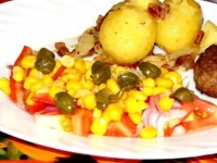 Салат с каперсами и кукурузой