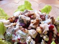 Салат со свеклой и рокфором
