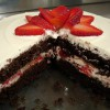 Шоколадно-клубничный торт