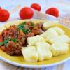 Тушеное мясо с картофельными клецками